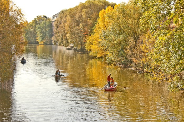 Boating on a fine autumn day on the Weiße Elster, in the magical city of Leipzig, Germany.